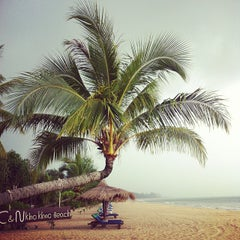 Photo taken at C&N Kho Khao Beach Resort by Justus B. on 10/23/2013
