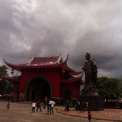 Photo taken at Sam Poo Kong Temple (Zheng He Temple) by Thezo E. on 1/1/2013
