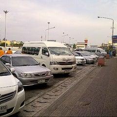 Photo taken at ศูนย์บริการทางหลวง ขาเข้า (Motorway Service Center - Inbound) by kaptnaka n. on 2/23/2013
