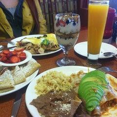 Photo taken at Broken Yolk Cafe by Genny H. on 1/6/2013