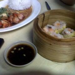 Photo taken at Wai Ying Fastfood (嶸嶸小食館) by Eloisa T. on 11/12/2012