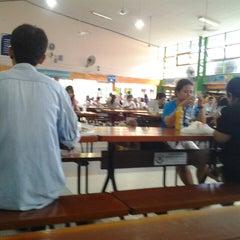 Photo taken at โรงเรียนฤทธิยะวรรณาลัย (Rittiyawannalai School) by Panudda K. on 7/28/2013