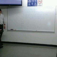Photo taken at Universidad Mexicana by ArEly F. on 10/25/2012