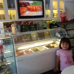 Photo taken at Bawean (Sweetheart) by Deean M. on 7/12/2015