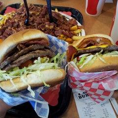 Photo taken at Louis Burgers IV by Tak U. on 1/17/2014