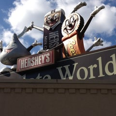 Photo taken at Hershey's Chocolate World by Gene K. on 10/21/2012