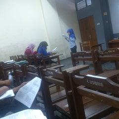 Photo taken at Fakultas Ekonomi by dyan x. on 3/18/2014