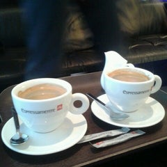 Photo taken at espressamente illy coffee bar by Yannick M. on 11/25/2012