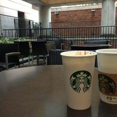 Photo taken at Starbucks Coffee 大阪ガーデンシティ店 by Sean C. on 3/17/2013
