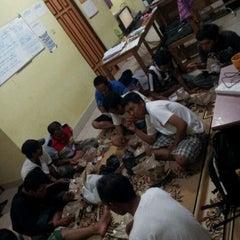 Photo taken at Kantor PT DASP Banjarbaru by Susilo Bukan Y. on 1/28/2012