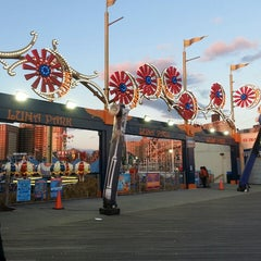 Photo taken at Luna Park by Barbara R. on 10/27/2013