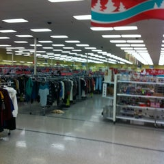 Photo taken at Ross Dress for Less by Renato M. on 11/11/2012