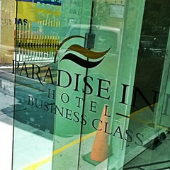 Photo taken at Paradise Inn by Fidel C. on 2/7/2014