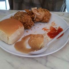 Photo taken at Radix Fried Chicken by Reiki L. on 12/16/2012