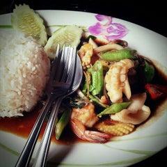 Photo taken at ร้านอาหารบังฝรั่ง (Bang Farang Restaurant) by SUPERGiRL2U2D on 3/7/2013