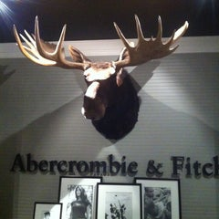 Photo taken at Abercrombie & Fitch by Meshari A. on 4/20/2013