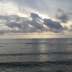 Photo taken at หาดใบลาน (Bailan Beach) by JiNa K. on 8/28/2013