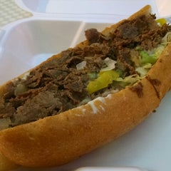 Photo taken at Philly Steak & Gyro by Killer S. on 2/20/2015
