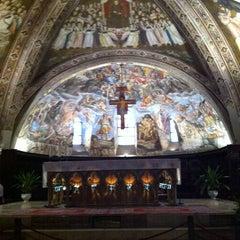 Photo taken at Basilica di San Francesco by Bento O. on 10/19/2013