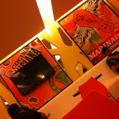 Photo taken at Popeyes Louisiana Kitchen by Erick E. on 1/13/2013