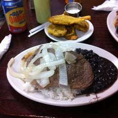 Photo taken at Sophie's Cuban Cuisine by Carlos M. D. on 5/29/2013