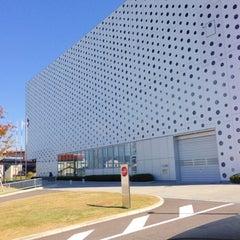 Photo taken at 金沢海みらい図書館 by Akihiro N. on 10/25/2012