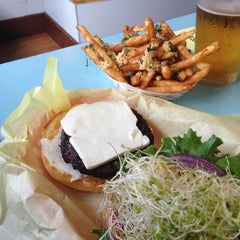 Photo taken at Sylvesters Burgers by Ken H. on 6/24/2014