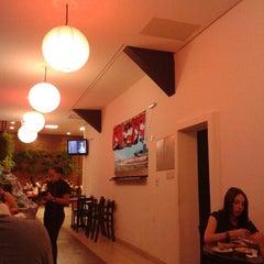 Photo taken at Sushi da Moka by Rodrigo P. on 12/8/2012