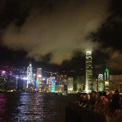 Photo taken at Symphony of Lights 幻彩詠香江 by Jongkons D. on 7/20/2013