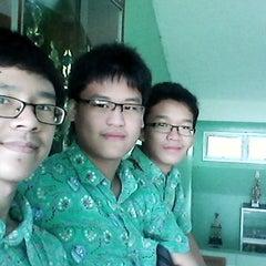 Photo taken at SMA Negeri 68 Jakarta by Ivan J. on 1/25/2014