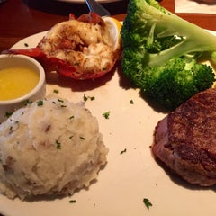 Photo taken at Outback Steakhouse by Kerry M. on 6/21/2015