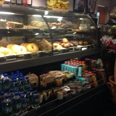 Photo taken at Starbucks by Ariel P. on 5/10/2014