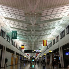 Photo taken at Washington Dulles International Airport by Moataz T. on 6/7/2013