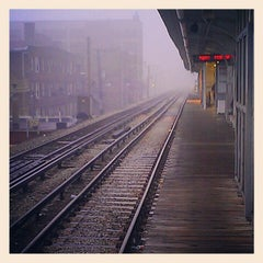 Photo taken at CTA - Bryn Mawr by Erin K. on 11/21/2012