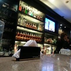 Photo taken at Dillingers 1903 Steak & Brew by Ken M. on 10/6/2012