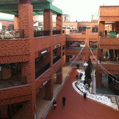 Photo taken at 롯데프리미엄아울렛 (LOTTE Premium Outlets) by Dean Dhaseul K. on 1/11/2013