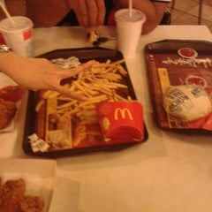 Photo taken at McDonald's by Mohd Supian M. on 12/27/2012