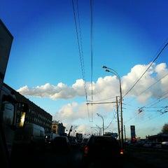 Photo taken at Шоссе Энтузиастов by Olya S. on 12/12/2012