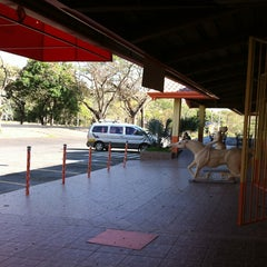 Photo taken at Restaurant Minisuper El Gran Parqueo by Mayleen V. on 2/7/2013