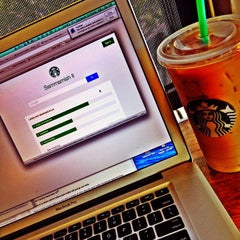 Photo taken at Starbucks by Lili R. on 9/9/2014