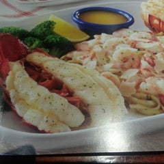 Photo taken at Red Lobster by Holly R. on 2/16/2013