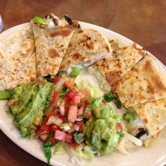 Photo taken at Ninfa's Mexican Restuarant by Joy C. on 7/23/2014