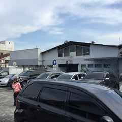 Photo taken at PT. Agung Toyota by Nenejung P. on 4/29/2015