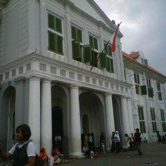 Photo taken at Museum Sejarah Jakarta (Museum Fatahillah) by Dega w. on 12/29/2012