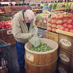 Photo taken at Sprouts Farmers Market by Cedar 2. on 4/24/2013