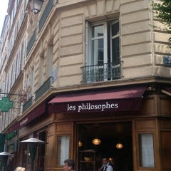 Photo taken at Les Philosophes by Keikoppy M. on 7/15/2013