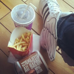 Photo taken at McDonald's by Gloups K. on 11/7/2012
