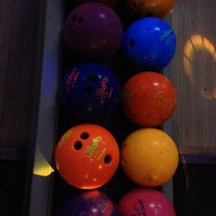 Photo taken at AMF 34th Avenue Lanes by Vikki on 11/17/2012