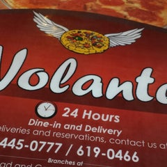 Photo taken at Pizza Volante by Jane Candice A. on 6/21/2013
