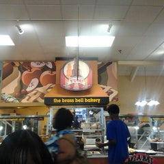 Photo taken at Golden Corral by Keith L. on 5/5/2013